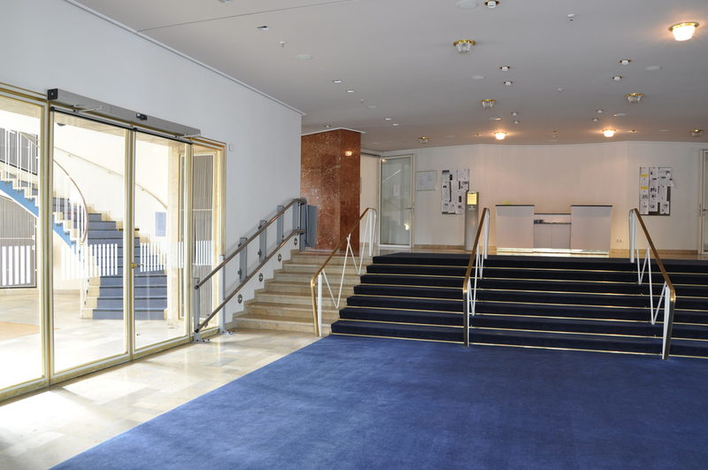 Foyer mit Treppenlifter